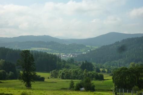 Blick von Innenried auf den Vorderen Bayerischen Wald.