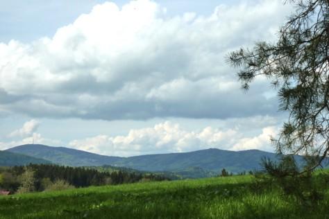 Aschenstein, Geißlsein und andere Berge im Hintergrund.