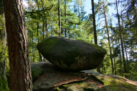 Felsen neben dem Wackelstein bei Solla.