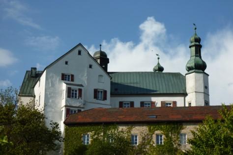 Schloss Englburg. Höchstpersönlich von Engeln erbaut.